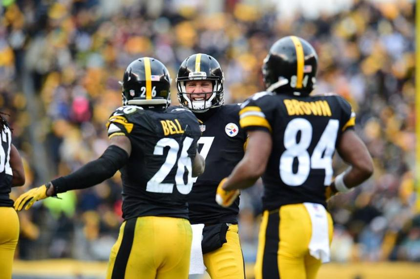 Ben Roethlisberger, Le'Veon Bell, Antonio Brown, Steelers killer bees, Steelers vs. Dolphins